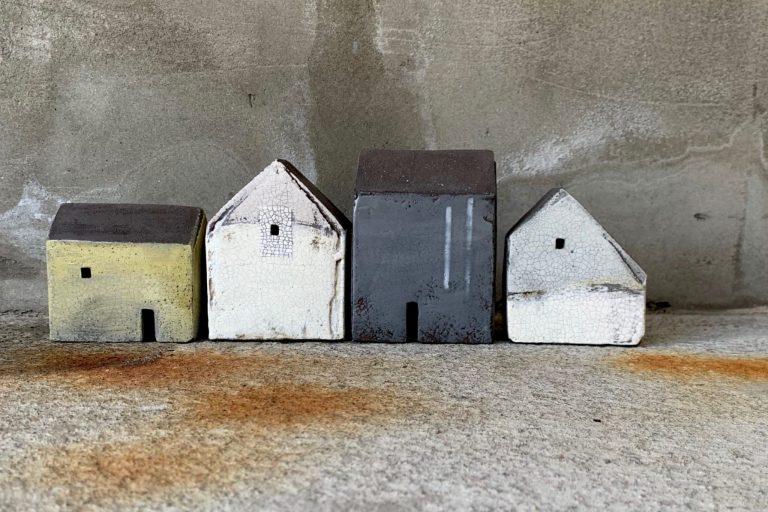 Rowena Brown set of four houses 8431 - Rowena Brown